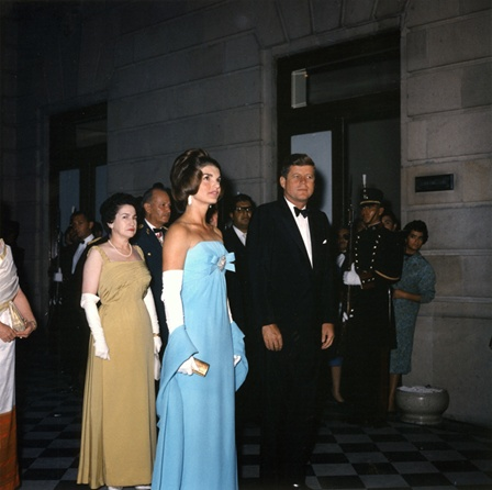 Fotografia de Robert Knudsen, Casa Blanca, de la Libreria Oficial del Presidente John. F. Kennedy. 06/30/1962